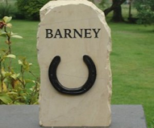 horse-memorial-barney
