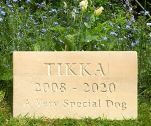 limestone tablet pet memorial with unpainted letters for tikka
