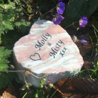 Marble Pet Memorial Heart with heart motif for Molly & Misty