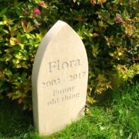 Standing Stone Pet Memorial (5 cm thick) with Gothic Style Top for Flora