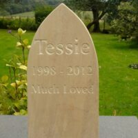 Standing Stone Pet Memorial (5 cm thick) with Gothic Style Top for Tessie